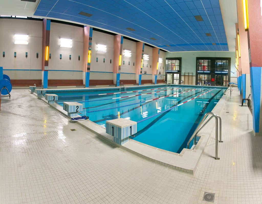 Horaires des piscines paris pendant les vacances d 39 t - Horaire de piscine paris ...