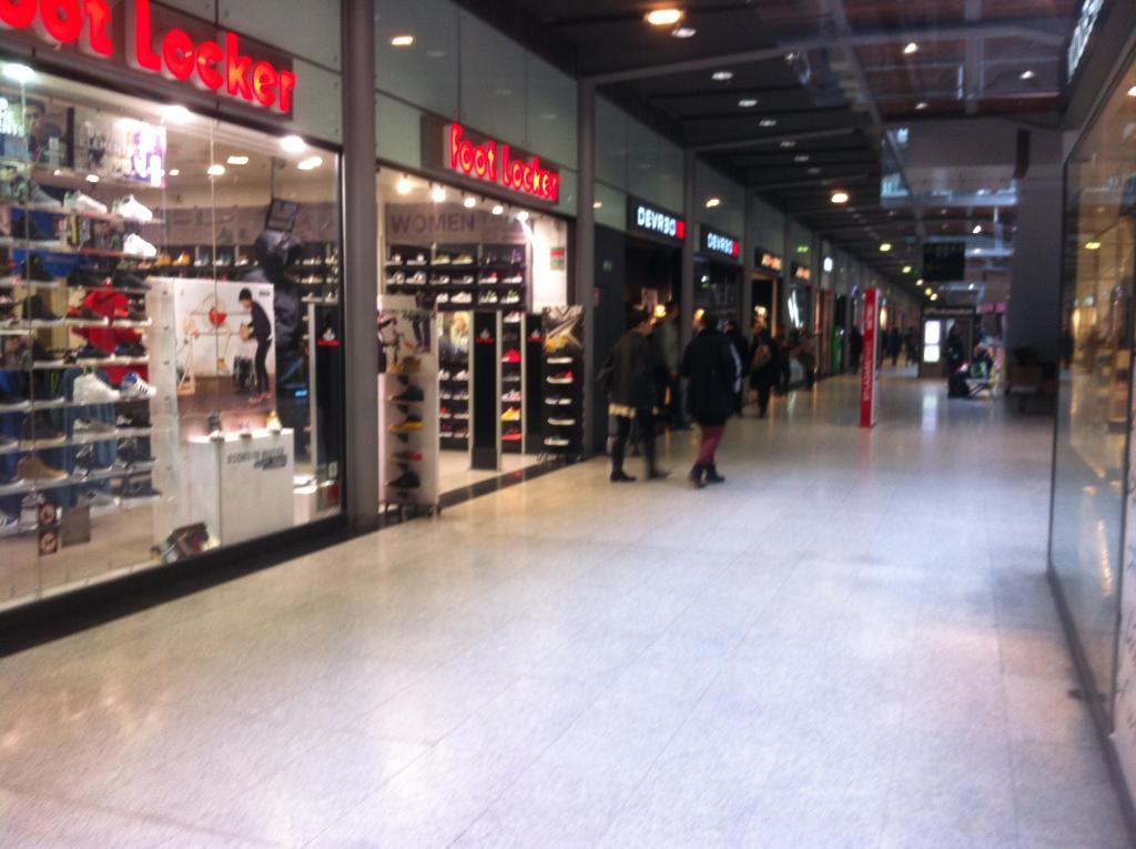 Centre commercial Saint-Lazare: magasins, horaires, boutiques ...