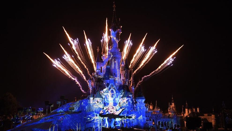 Calendrier Feu D Artifice 2020.Nouvel An A Disneyland Paris 2020 Programme Tarifs Avis